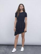 Abgestuftes Diagonales Kleid